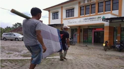 Maruf Amin Sebut Video Unggahan Dahnil Anzar Hoaks, Warga Banten Akui Ayahnya Ditandu Kain Sarung ke Puskesmas