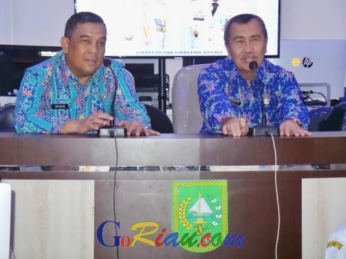 Gubri Syamsuar Cek Kesiapan Video Conference di Riau Command Center