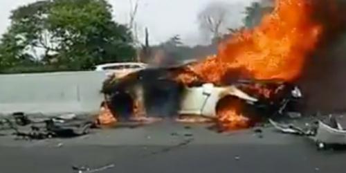 Mobilnya Kecelakaan dan Terbakar, Wakil Jaksa Agung Meninggal di Tol Jagorawi