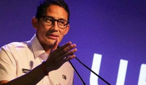 Beredar Foto PNS DKI Bagikan Kupon Sembako di Monas, Sandiaga: Lagi Dicek