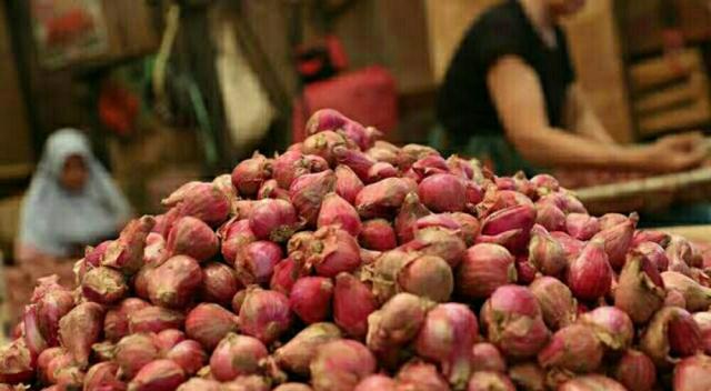 Harga Bawang Merah dan Putih di Pasar Pelalawan Merangkak Naik