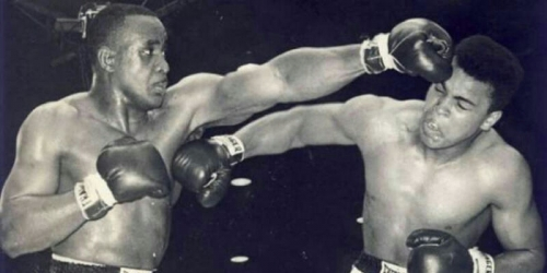 Petinju Legendaris Dunia Muhammad Ali Wafat