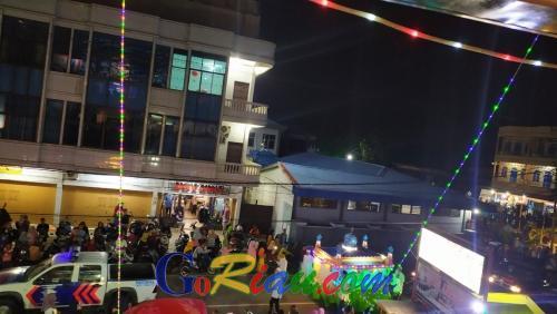 Ribuan Masyarakat Meriahkan Malam Pawai Takbiran di Kota Selatpanjang