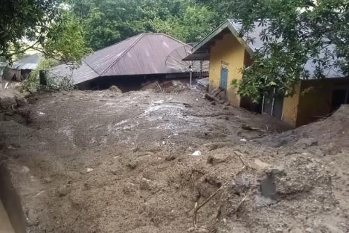 Longsor Terjang 5 Rumah dan 1 Musala di Sumbar, Juga Putuskan Jalan Provinsi