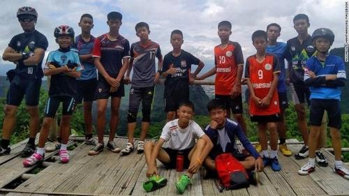 Terjebak dalam Gua 9 Hari, 12 Remaja Pesepakbola Ditemukan Kelaparan, Belum Bisa Dievakuasi