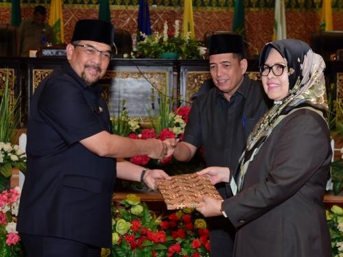 Wagubri Sampaikan Ranperda RPJMD Riau 2019-2024 Dihadapan 33 Dewan Provinsi