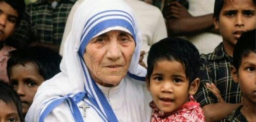Penobatan Bunda Teresa Sebagai Santa Dihadiri 1.500 Tunawisma
