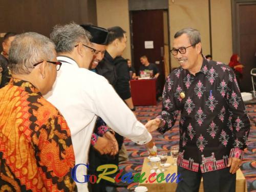 Jadi Narasumber Forum Creative Cities Conference ICCF 2019 di Ternate, Ini 5 Poin Riau Keren yang Dipaparkan Gubri Syamsuar