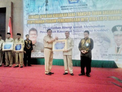 Pemkab Meranti Terima Tiga Perhargaan Pengelolaan Keuangan dari Pemerintah Pusat dan Provinsi Riau
