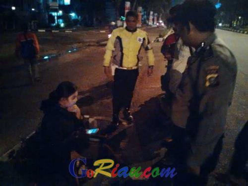 Tawuran Massa HMI Dinihari Tadi Makan Korban, Seorang Pengendara Sepeda Motor Jatuh dan Terseret di Aspal