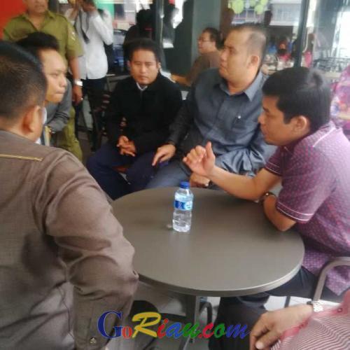 Bikin Macet Lalin Jalan Sudirman, Komisi IV DPRD Kota Pekanbaru Datangi Mc Donalds
