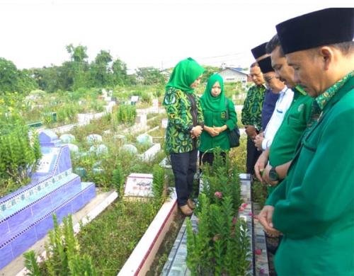 Milad ke 46, DPW PPP Riau Ziarah ke Makam Sejumlah Tokoh Pendiri Partai