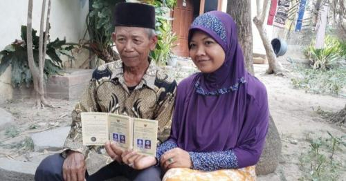 Bermula Minta Minum di Hutan, Gadis 28 Tahun Dinikahi Pria 70 Tahun Sebagai Istri ke-9, Maharnya Hanya Rp50 Ribu