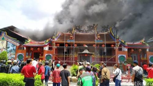 Vihara Samudra Bhakti Terbakar Saat Perayaan Imlek, Umat Budha Berhamburan