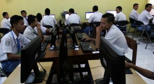Temuan Ombudsman, Kecurangan UN SMA Terjadi di 33 Provinsi