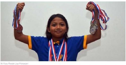 Luar Biasa, Usia Masih 9 Tahun Lisa Berhasil Sabet 10 Medali di KNAG Swimming Championship Singapura