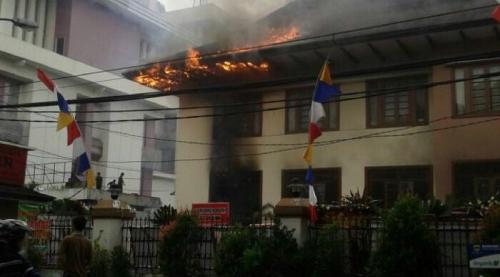 Gedung Kejaksaan Tinggi Jawa Barat Sengaja Dibakar, Pelaku Berhasil Diringkus