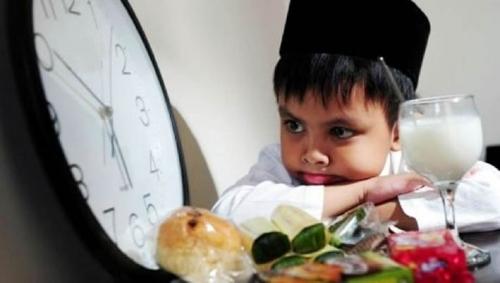 10 Tips Makan yang Benar Selama Bulan Ramadan