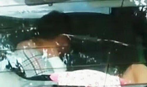 Sepasang PNS Bukan Suami-Istri Pingsan Tanpa Busana dalam Mobil di Pinggir Jalan