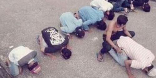 Astaghfirullah, Sejumlah Pemuda Lecehkan Salat di Tengah Jalan, Ini Fotonya