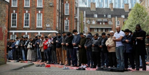 Gara-gara Ketegangan Rasial Akibat Sentimen Brexit Meningkat di Inggris, Acara Shalat Ied Akan Dibatalkan Karena Diprotes Kelompok Sayap Kanan