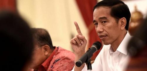 Sebelum Takbiran di Kantor Gubernur Sumbar, Jokowi Beli Kemeja Hijau di Plasa Andalas Padang