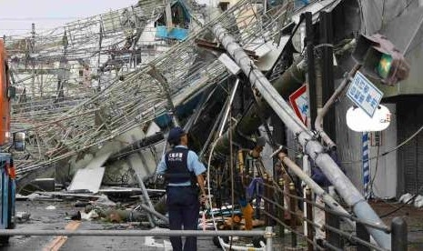 Topan Jebi Hantam Jepang, 6 Tewas dan Ribuan Orang Terdampar di Bandara