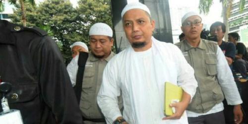 Ustaz Arifin Ilham Terluka Kena Gas Air Mata Saat Tenangkan Massa, Begini Kondisinya Sekarang