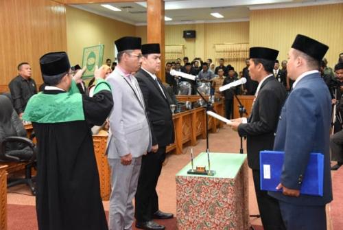 Ibra dan Mus Dilantik sebagai PAW DPRD Bengkalis