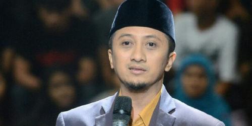 Ustaz Yusuf Mansyur Cium Kepala Sopir Bajaj Saat Aksi 212, Alasannya Mengharukan
