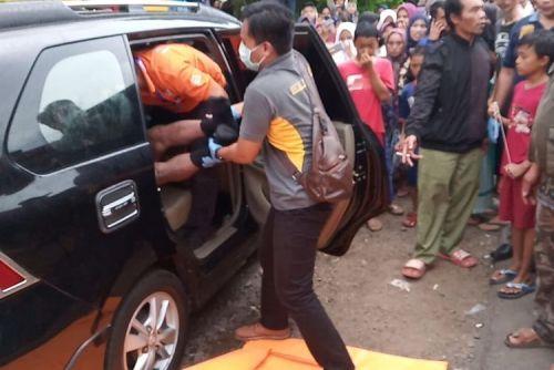 Guru PNS Tewas Tanpa Celana dalam Mobil Avanza, Ditemukan Tisu Bekas . . . .