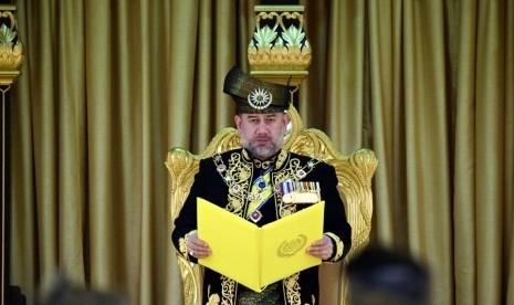 Dua Bulan Pasca Foto Pernikahannya dengan Miss Moscow Beredar, Raja ke-15 Malaysia Mengundurkan Diri