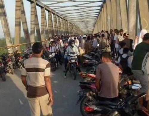 ABK Kapal Ditemukan Tergantung di Jembatan Sri Gergaji Inhil