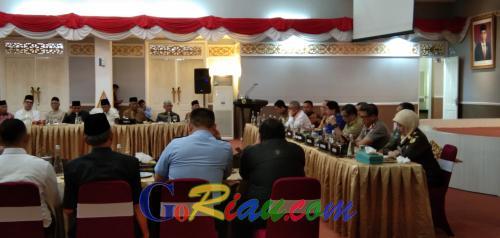 Dari 13 Anggota DPR RI Dapil Riau, Hanya Lima Orang yang Hadir Silaturrahmi bersama Gubernur dan Forkopimda