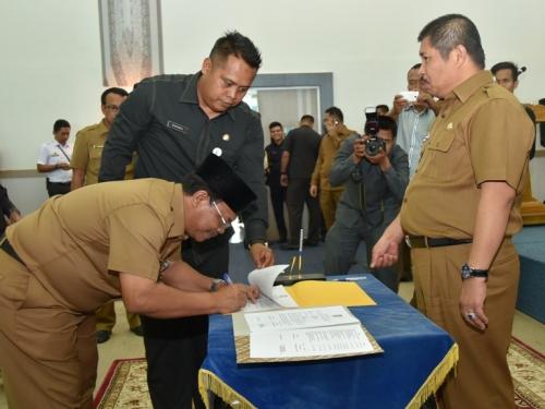 Bupati Bengkalis Serahkan DPA, Bustami: Utang Pihak Ketiga Segera Dibayar