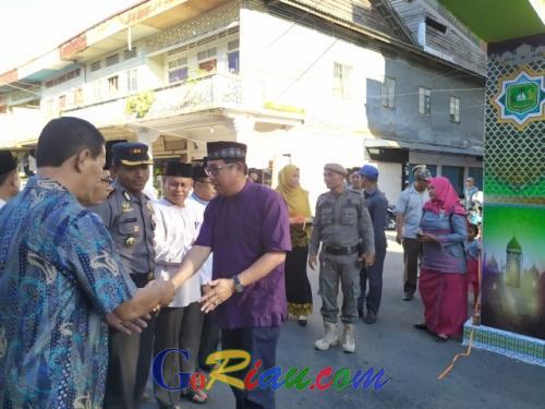 Resmikan Bazar Takjil Ramadhan, Sekda Kepulauan Meranti Minta Pedagang Tertib dan Jaga Kebersihan