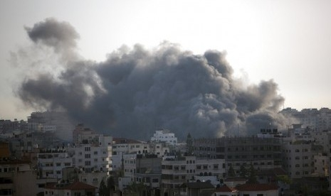 Serangan Brutal Israel Bunuh 10 Warga Palestina, Termasuk Wanita Hamil dan Putrinya Berusia 14 Bulan