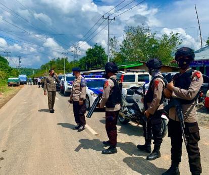 Perbatasan Riau - Sumbar Dijaga Ketat Brimob Bersenjata, yang tak Penuhi Syarat Disuruh Putar Balik