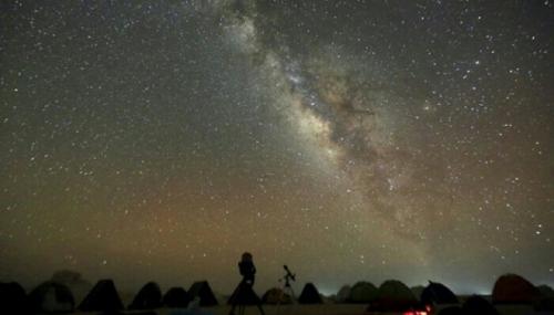Ayo Ramai-ramai Matikan Lampu Satu Jam Nanti Malam, Amati Ratusan Miliar Bintang Besar