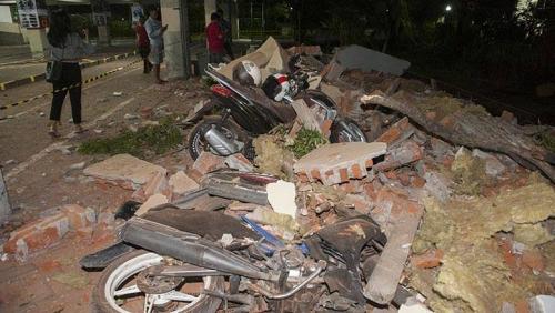 Banyak Korban Gempa Lombok Terpaksa Dirawat di Luar Gedung Rumah Sakit dan Puskesmas