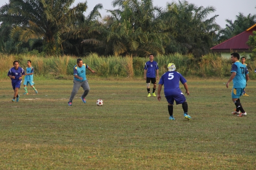 Olahraga Sepakbola Bikin Wabup Siak Aktif Ikuti Tour de Kampung