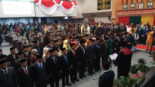 Anggota DPRD Pekanbaru Periode 2019-2024 Resmi Dilantik, Ketua Sementara Dijabat Hamdani