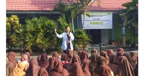 Mahasiswa Kukerta Unri Sosialisasi Penggunaan Medsos Secara Efektif ke Siswa SMPN 3 Pangkalan Lesung