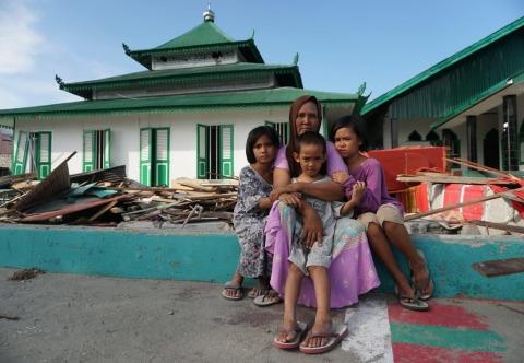 Diterjang Tsunami, Masjid Berusia 112 Tahun yang Jaraknya 10 Meter dari Bibir Pantai Donggala Tetap Berdiri Kokoh
