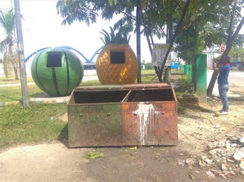 DLH Kampar Buat Tempat Sampah Edukatif