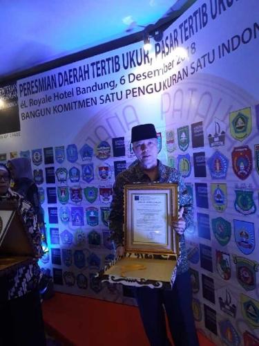 Bupati Bengkalis Terima 2 Penghargaan dari Menteri Perdagangan