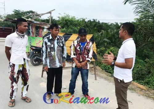 Sering Macet, Polsek Gasib Ingatkan Oknum Masyarakat Tak Lakukan Pungli di Lokasi Pembangunan Jembatan