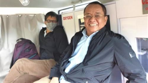 Kelabui Massa Penghadang, Rocky Gerung Naik Ambulans ke Universitas Muhammadiyah Jember