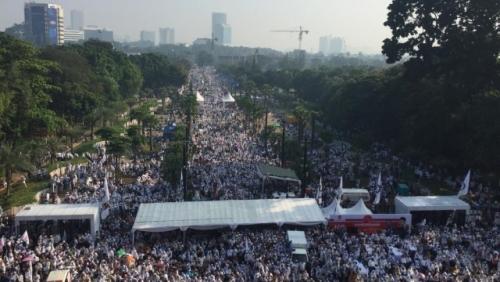Kampanye Akbar Prabowo-Sandi, Lautan Manusia Juga Terjadi di Luar Stadion GBK, Ini Penampakannya