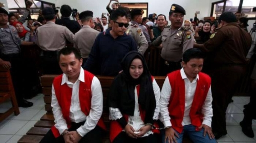 Suami-Istri Bos First Travel Dituntut Masing-masing 20 Tahun Penjara dan Denda Rp10 Miliar